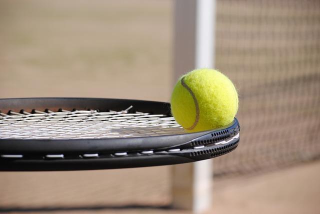 cours-tennis-enfants-paris-neuve-saint-pierre